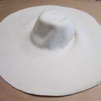 maxi capeline wool 60CM cream