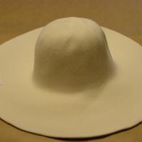 velvet capeline white